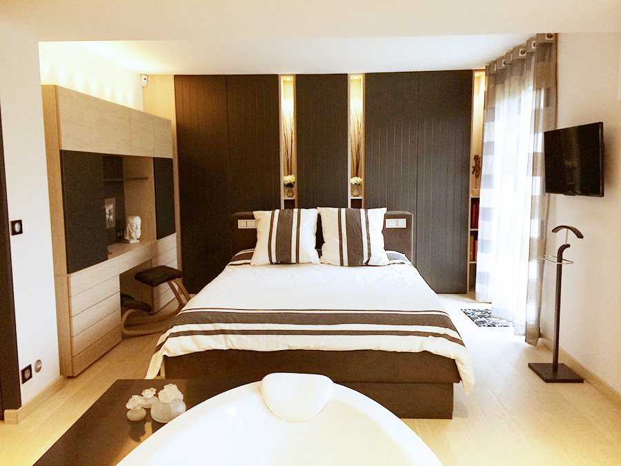 deco chambre parentale avec salle bain dressing id e inspirante pour la. Black Bedroom Furniture Sets. Home Design Ideas
